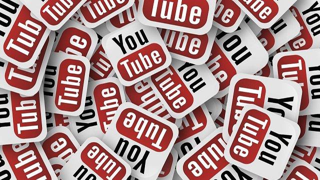1 miliardo di ore di video visti al giorno — YouTube