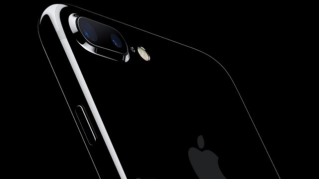 I-Phone 7: gli store Apple pronti all'assalto