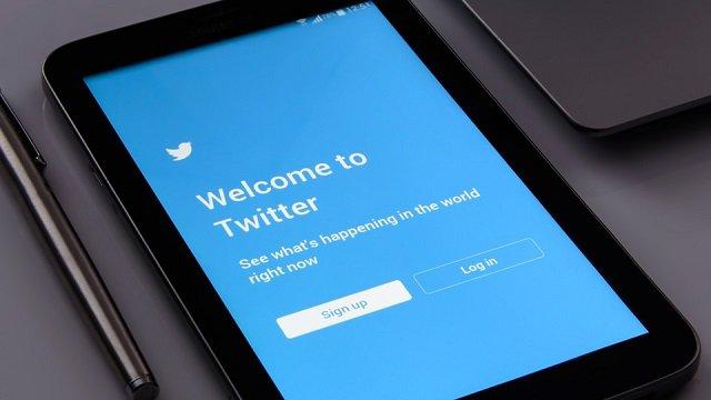 Twitter introduce i video in live streaming a 360 gradi su Periscope